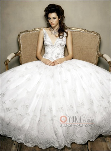 哈萨克斯坦结婚礼服-婚纱礼服 兰妃子的时尚图片 YOKA时尚空间图片