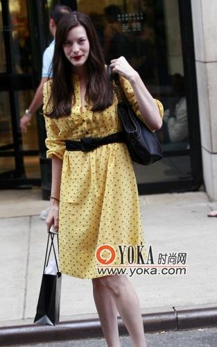 优雅女人 沙冰草莓的时尚图片 yoka时尚空间 高清图片