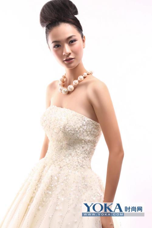 彩色手绘模特婚纱