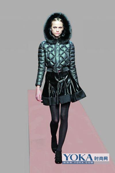 时尚冬季服饰搭配打造甜美风