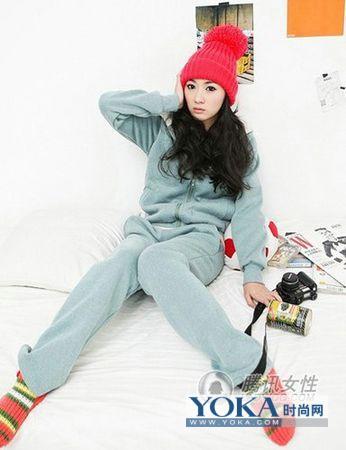 芭比娃娃的寒冬甜美冬季衣服搭配