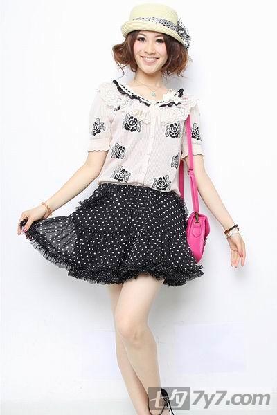 2010夏装搭配图片-学电影中女角的时尚夏装搭配
